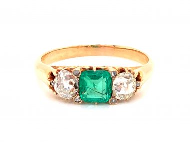 Victorian Emerald and Diamond Ring in 14k Yellow Gold
