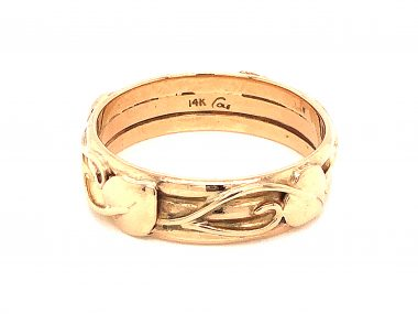 Antique Art Nouveau Wedding Band in 14k Yellow Gold