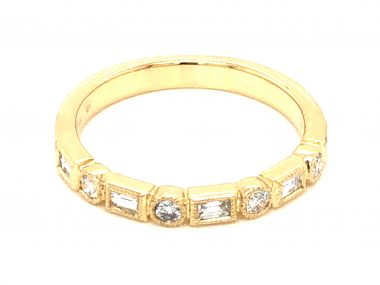 .33 Baguette & Round Brilliant Diamond Band in Yellow Gold